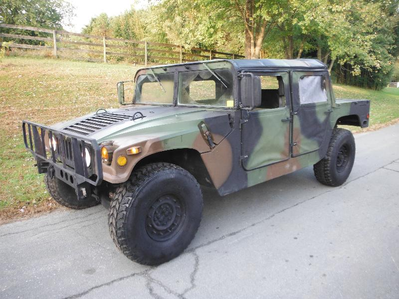 m998 military hmmwv army 4dr h1 hummer w on road title surplus military depot. Black Bedroom Furniture Sets. Home Design Ideas